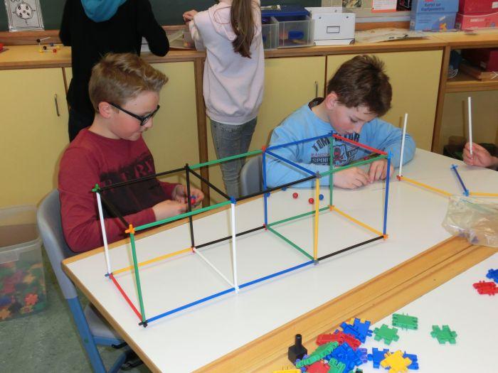 symmetrie spiele grundschule